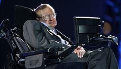 Rodina Stephena Hawkinga darovala nemocnici jeho osobní plicní ventilátor pro boj s koronavirem
