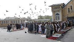 Narušení křehkého míru? K útoku na schůzi Tálibánu s afghánskými vojáky se přihlásil Islámský stát