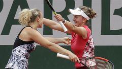 Krejčíková a Siniaková jsou ve finále Turnaje mistryň. Přehrály Hlaváčkovou se Strýcovou