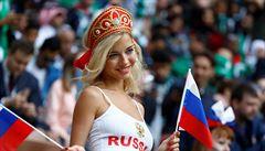 FOTO: Mistrovství světa začalo. Sličné fanynky nejvíce nadchl Robbie Williams