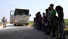 'Kdy uvidím tátu?' Trumpova vláda bere děti migrantům. Chce je tak odradit od vstupu do země
