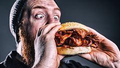 Jak zhubnout pojídáním másla, slaniny a ořechů? Dvouměsíční ketodieta omezuje sacharidy