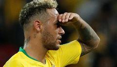 Víc účesů než gólů. Jak se Neymar posunul od žluté urousané koudele k normálním sestřihu