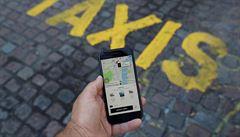 Zákaz není pro všechny řidiče Uberu a Boltu, ti s taxikářskou licencí jezdit smí