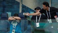 Maradona neustál radost z postupu, po zápase s Nigérií zkolaboval