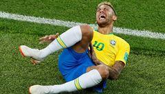 Český fotbalový národ smutní. Hvězdný Neymar je zraněný, v Praze hrát nebude