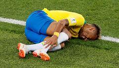 Dost už bylo simulování... Mourinho: šampionát je plný komiků, není to jen Neymar
