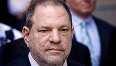 Prokuratura obvinila Weinsteina z dalšího sexuálního zločinu. Údajně napadl ženu hotelu Beverly Hills