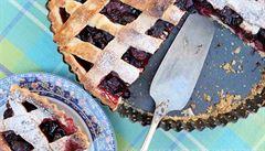 Upečte si legendární třešňový koláč ze seriálu Twin Peaks. Nejlépe chutná s kávou černou jako půlnoc