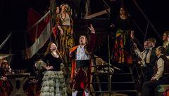 Strach z nemoci, užívání kortizonu i stres. Jakým nástrahám čelí operní pěvec?