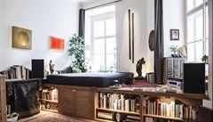 Jak bydlí designéři: Knihy, horniny, nože i jiné sbírky a dominantní teleskop
