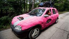 Chlupatá auta, obří zahrádky. Z Česka poprvé odstartovala slavná Mongol Rally