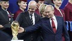 S výkony fotbalistů jsem spokojen, ale rozhodně nekončíme, říká Putin