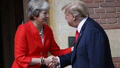 Brexit je věcí Británie a s Londýnem obchodovat budeme, otočil po schůzce s Mayovou Trump
