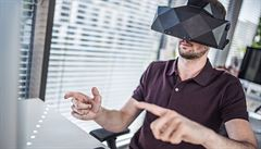 Češi vynalezli nové brýle pro virtuální realitu, umí rozpoznat pohyby rukou