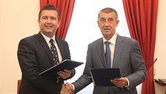 ANO podepsalo s ČSSD koaliční smlouvu, s komunisty dohodu o toleranci kabinetu