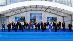 NATO se bude společně bránit agresivním krokům Moskvy. Za útok novičokem může Rusko, shodli se lídři