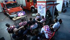 VIDEO: Chorvatští hasiči hitem sociálních sítí. K zásahu 'odjeli' těsně před rozhodujícím gólem