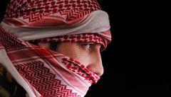Předstíral, že je terorista, který ukořistil miliony dolarů. Češka mu na to naletěla, připravil ji o 300 tisíc