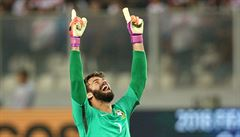 FOTO: Nejdražší brankáři světa, Alisson lepší Buffona. Kde je ale Čech? A co další legendy?