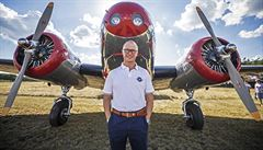 Akrobatický pilot Kramařík se vydal z letiště Točná na cestu kolem světa, jako první Čech