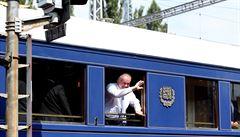 Zeman a Kiska přijeli historickým vlakem do Topoľčianek z Hodonína