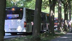 Útočník v autobuse v německém Lübecku zranil 9 lidí a zanechal batoh, z kterého vycházel kouř