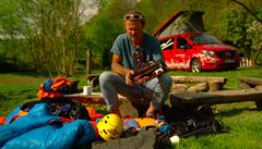 VIDEO: Jak se vybavit na vrchol. Poradí vám horolezec Marek Holeček
