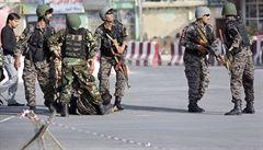 Nejméně 20 obětí si vyžádal sebevražedný útok v tělocvičně na západě Kábulu. K útoku se nikdo nepřihlásil