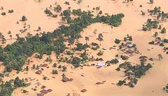 V Laosu se protrhla rozestavěná přehrada. Pohřešovány jsou stovky lidí