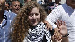Propuštěná Palestinka se neprala s izraelskými vojáky poprvé, v minulosti jednoho pokousala