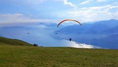 Jezero Lago di Garda. Riviéra outdoorových sportů
