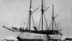 Amundsenova potopená polární loď Maud se vrátila do Norska