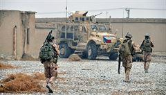 Při útoku na vozidlo v Afghánistánu zemřel český voják, další dva jsou zraněni