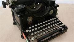 Počítače úřadů v aljašském městě napadl virus, úředníci používají psací stroje