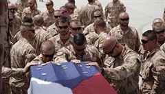 Čeští vojáci se v Afghánistánu zatím nevrátili do patrol