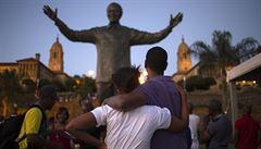 """PETRÁČEK: Tutsiové Jižní Afriky. Mandelův """"duhový národ"""" vedou vládci ke střetům"""