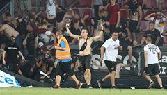 Zakážeme vám vstup na stadion a ještě nám zaplatíte škody, vzkazuje Sparta fanouškům