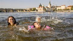 Česko zasáhnou vedra, ve středu se oteplí až na 37 stupňů Celsia