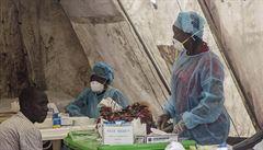 Ebola ohrožuje více africké ženy než muže. Ví o ní jen málo