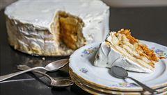 Vlašské ořechy a meruňky. Jak na nepečený dort?