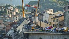 Pád mostu v Janově tvrdě zasáhl akcie firmy Atlantia. Firmě hrozí i zrušení koncese