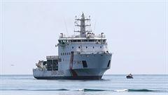 Budeme lidi zachráněné na moři převážet do Libye, hrozí Itálie. Nechce přijmout loď se 177 uprchlíky