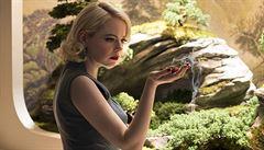 Emma Stoneová jako potížistka. Maniac je výlet do blázince od autora Temného případu