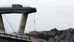 Zhroucený most v Janově: jeden podobný od stejného autora se již zřítil ve Venezuele