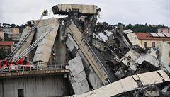 Na jednom z pylonů zříceného janovského mostu byla trhlina, odhalilo video