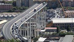 Deset měsíců po tragédii v Janově začaly práce na novém mostu. Měl by se podobat lodi