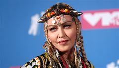 Madonna na Instagramu šířila konspirační teorie o koronaviru. Sociální síť rázně zakročila