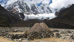 V peruánských horách se zřítil autobus do 200 metrů hluboké strže, zemřelo nejméně 17 lidí