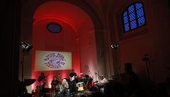 V zaplněném Atriu zahájili 'Plastici' koncertem oslavy 50 let své existence